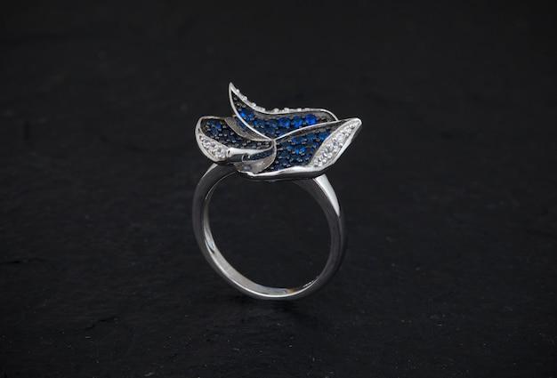 ダイヤの指輪 Premium写真