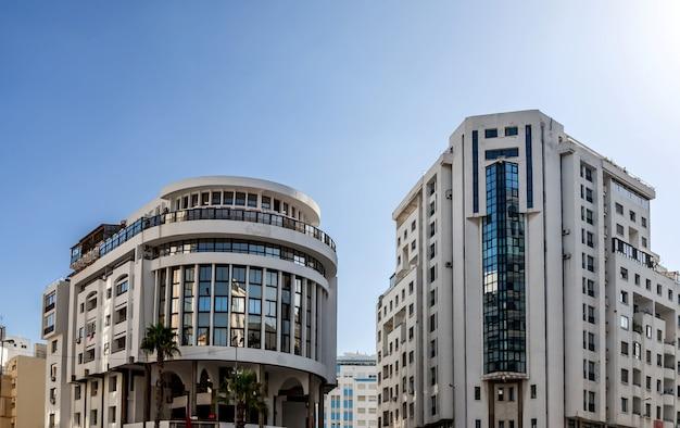 モダンな建物 Premium写真