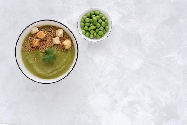 自家製野菜クリーム。ビーガンフード Premium写真