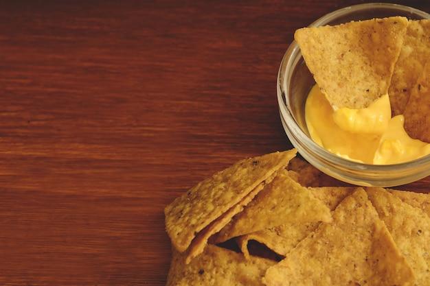 チーズディップ付きナツョウのトップビュー Premium写真