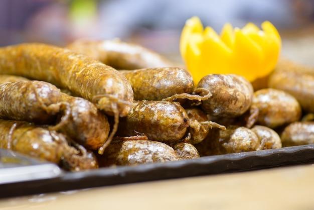 伝統的なハンガリー豚屠殺場料理、ブラックプディング Premium写真