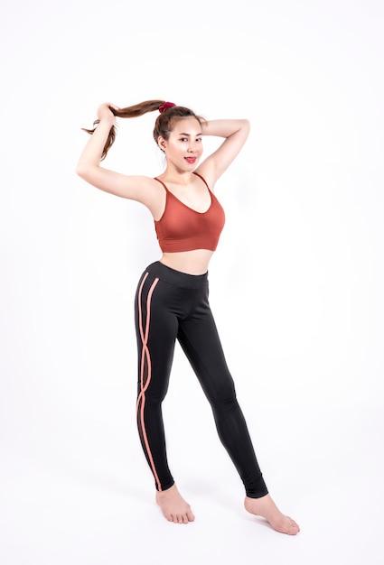 ファッションスポーツウェアのスポーツ少女 Premium写真