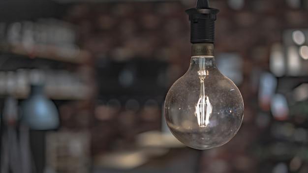 輝く電球 Premium写真