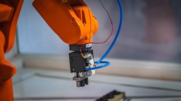 産業用ロボット機械 Premium写真