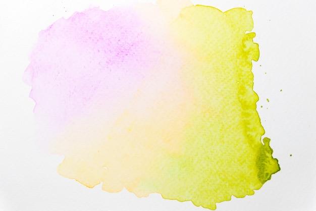 紙の上の抽象的な混合ピンク、黄色と緑の水彩画 Premium写真