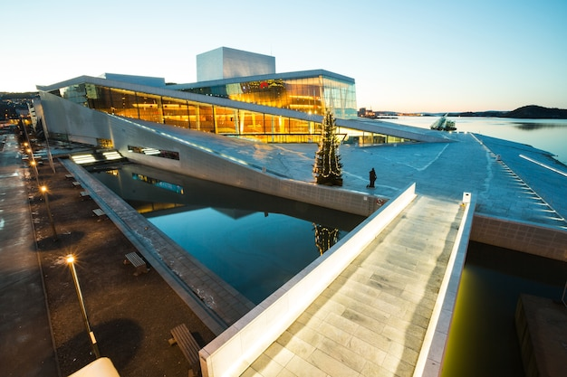 オスロオペラハウスノルウェー Premium写真