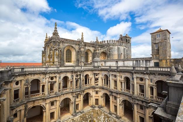 キリスト・トマールのテンプル寺院修道院の騎士 Premium写真