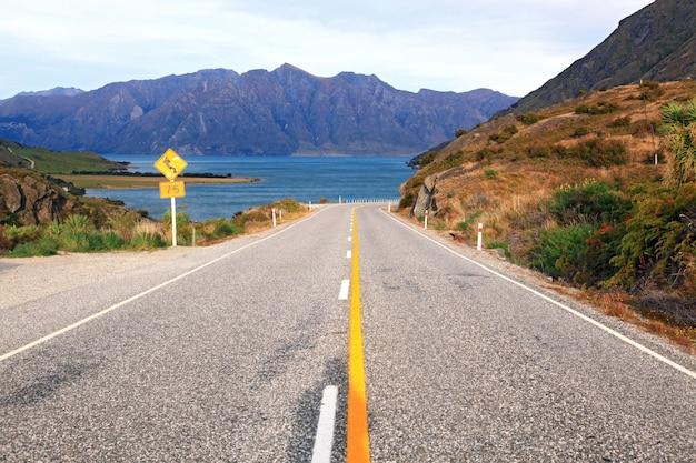 Шоссе новая зеландия Premium Фотографии