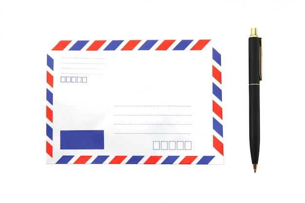 ペンで分離されたエアメール封筒 Premium写真