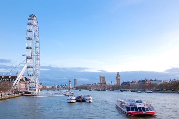 ロンドンアイイングランド Premium写真