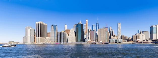 ニューヨークのマンハッタンのパノラマ Premium写真
