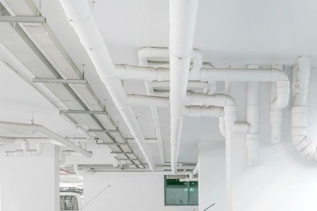 配水管システム建物内に配水管を設置する。配水管輸送システム Premium写真