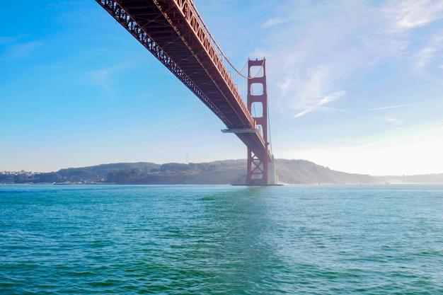 Вид на мост золотые ворота. сан-франциско, калифорния, сша. Premium Фотографии