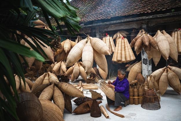 ベトナムクラフトマン Premium写真