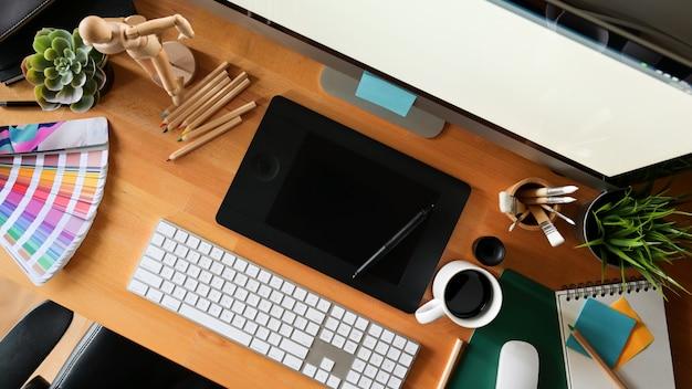 Рабочее пространство студии графического дизайна Premium Фотографии