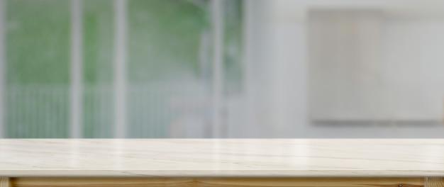 Крупным планом вид пустой счетчик в кухонной комнате Premium Фотографии