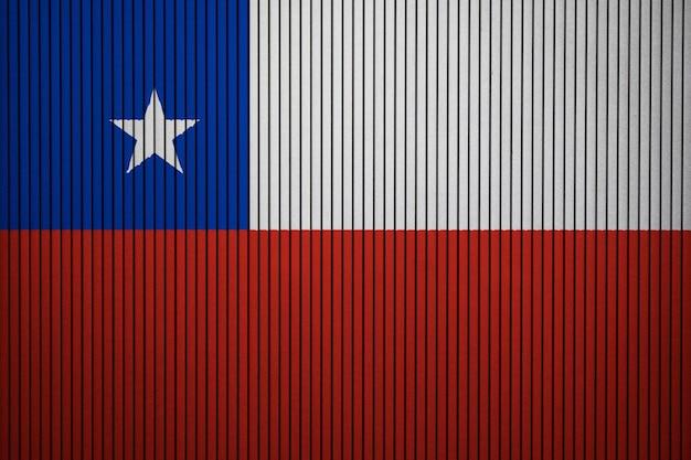 コンクリートの壁にチリの国旗を塗った Premium写真