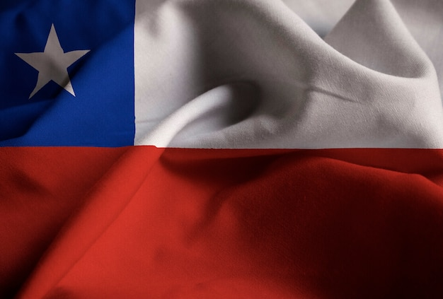 チリ旗、チリの旗が風に吹き荒れている Premium写真