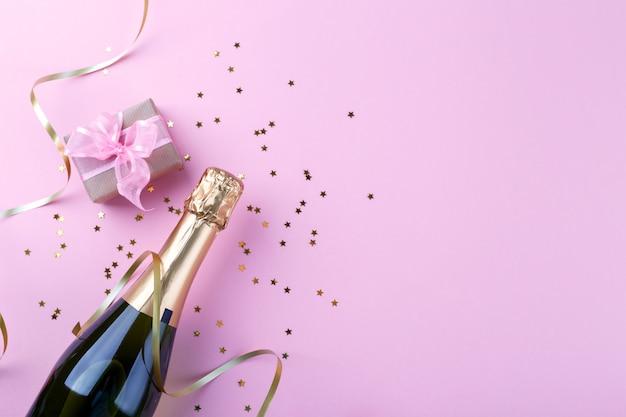Бутылка шампанского Premium Фотографии