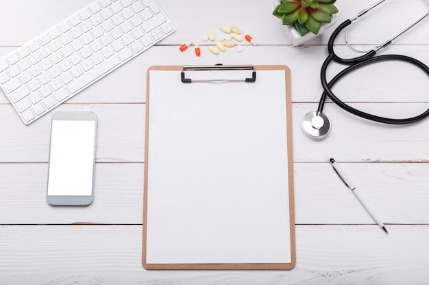 Докторский стол макет Premium Фотографии