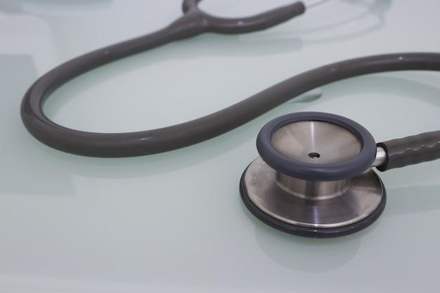 健康診断のための医療聴診器 Premium写真