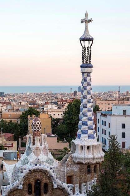 スペインのバルセロナにある有名なグエル公園。 Premium写真
