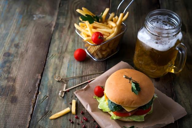 自家製ハンバーガー、バンズ付 Premium写真