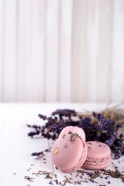 甘いラベンダーマカロン Premium写真
