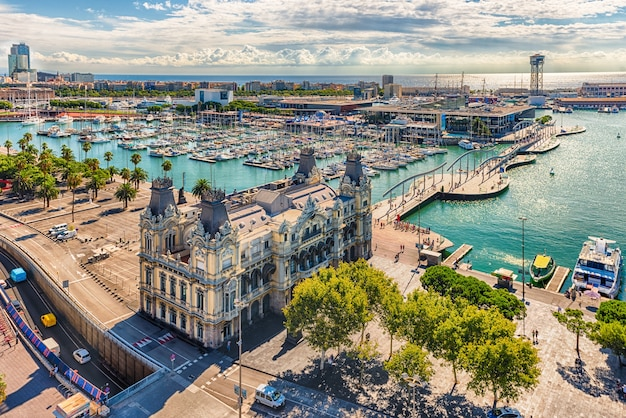 Вид с воздуха на порт велл, барселона, каталония, испания Premium Фотографии
