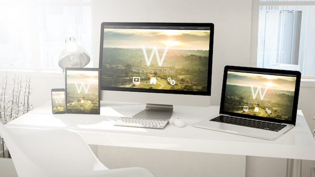 デスクトップデバイスコンピューター、タブレット、ラップトップ、電話 Premium写真
