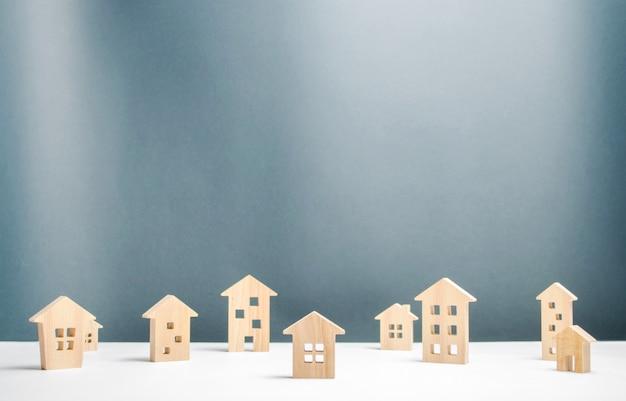 Много деревянных домов Premium Фотографии