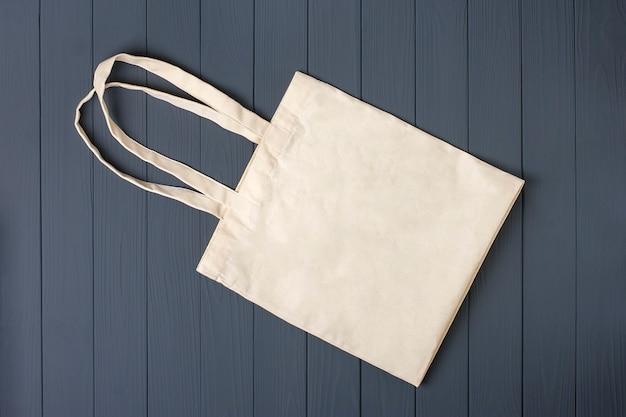 Тканая сумка плоская планировка Premium Фотографии