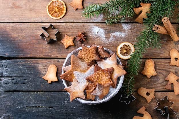 Песочное печенье в форме звезды Premium Фотографии