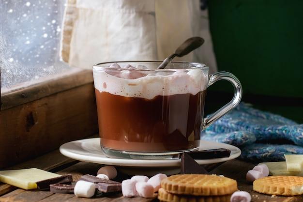マシュマロのホットチョコレート Premium写真