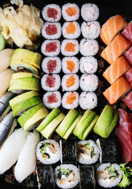 背景としての寿司のセット Premium写真