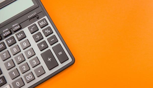 現代の電卓、ビジネスと財務会計 Premium写真