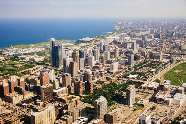 イリノイ州シカゴの空撮。 Premium写真
