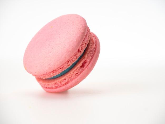 白地にピンクのマカロン Premium写真