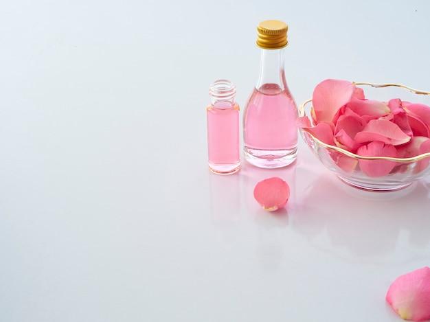 Натуральный спа-набор из розы и ароматизированной свечи попурри Premium Фотографии