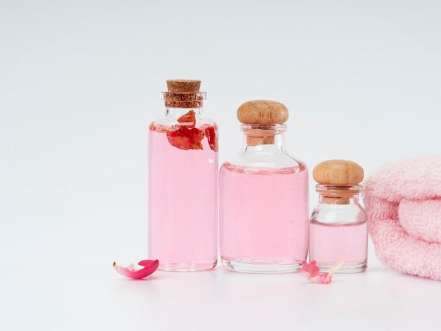 Спа продукты розового эфирного масла Premium Фотографии