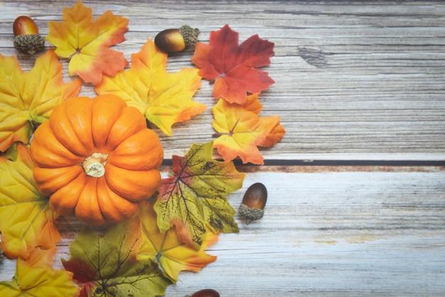 感謝祭の構成 Premium写真