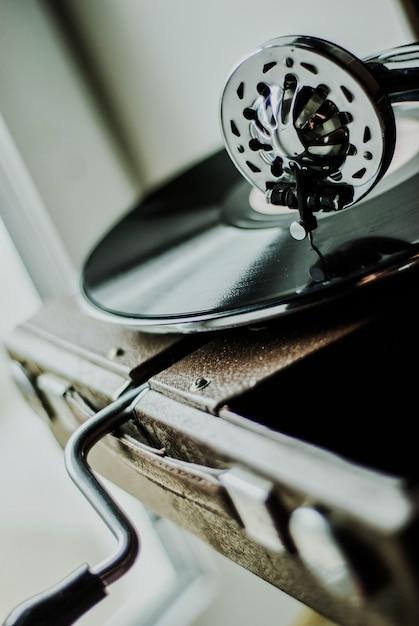 蓄音機プレーヤーをクローズアップ Premium写真