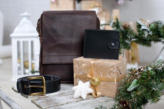 Рождественский интерьер с подарочными коробками Premium Фотографии