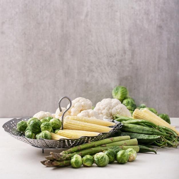 新鮮な野菜を調理する準備ができて Premium写真