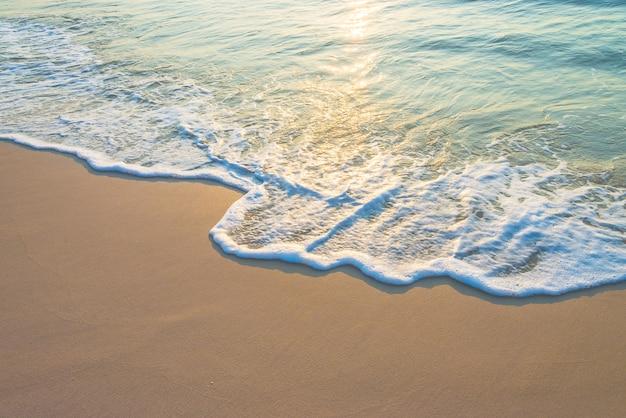 海の波 無料写真