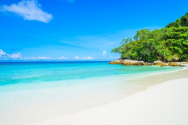 Красивый тропический пляж Бесплатные Фотографии