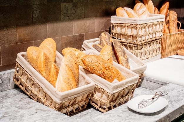 朝食用のパン 無料写真