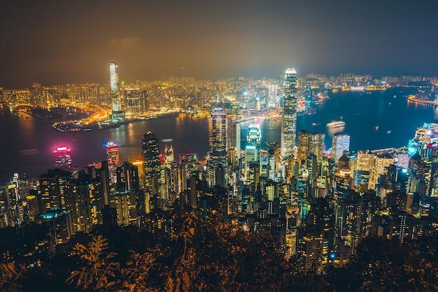 香港の都市のスカイラインの美しい建築の外観の外壁景色 無料写真