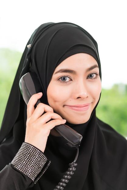 ビジネスイスラム教の女性 無料写真