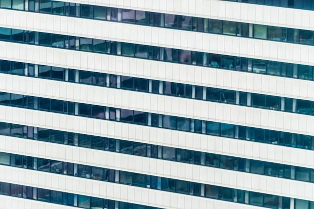 美しい外観の建物と窓のパターンを持つアーキテクチャ 無料写真